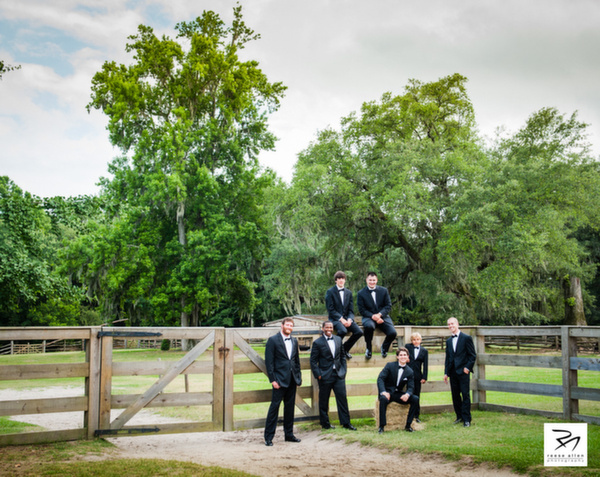 Charleston wedding photographers Middleton Place fine-art weddings-8.jpg