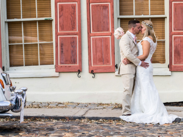 Fine-Art-Charleston-wedding-photographers-Amanda-and-Jeremy-Folly-Beach-by-Reese-Allen-Photography-(7-of-23)-copy.jpg