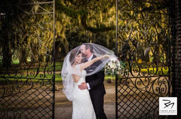 Boone Hall wedding photos of CristenRIch by best Charleston photographers Reese Allen_AG (1 of 26).jpg