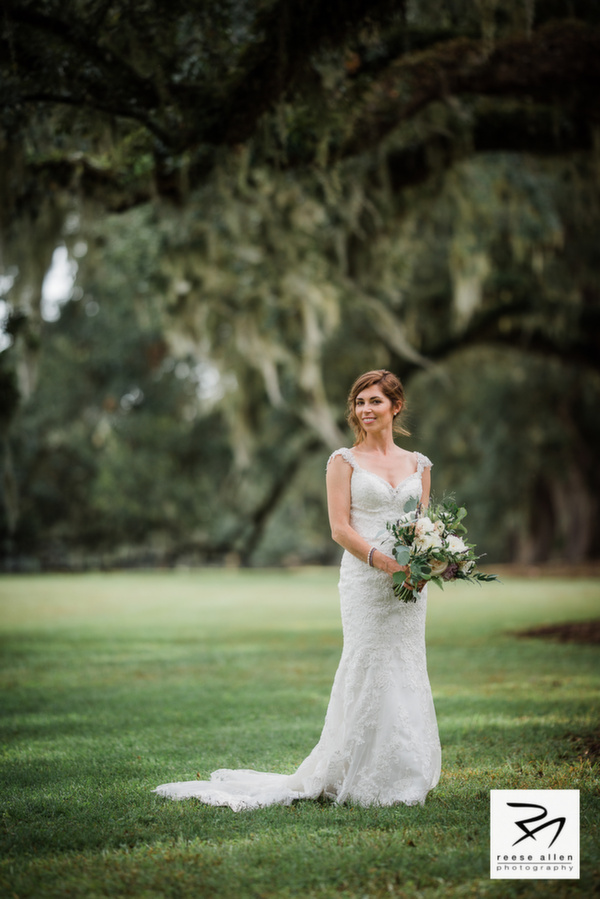 Boone Hall wedding photos of CristenRIch by best Charleston photographers Reese Allen_AG (11 of 26).jpg