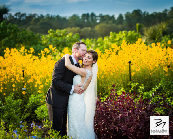 Boone Hall wedding photos of CristenRIch by best Charleston photographers Reese Allen_AG (9 of 10).jpg
